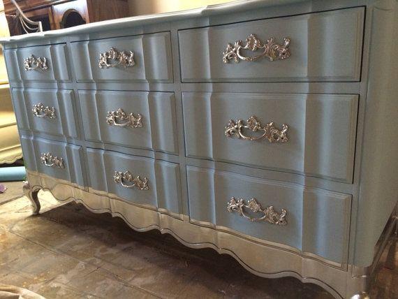 Plus de 25 id es meubles peints fran ais tendance sur for Meuble francais