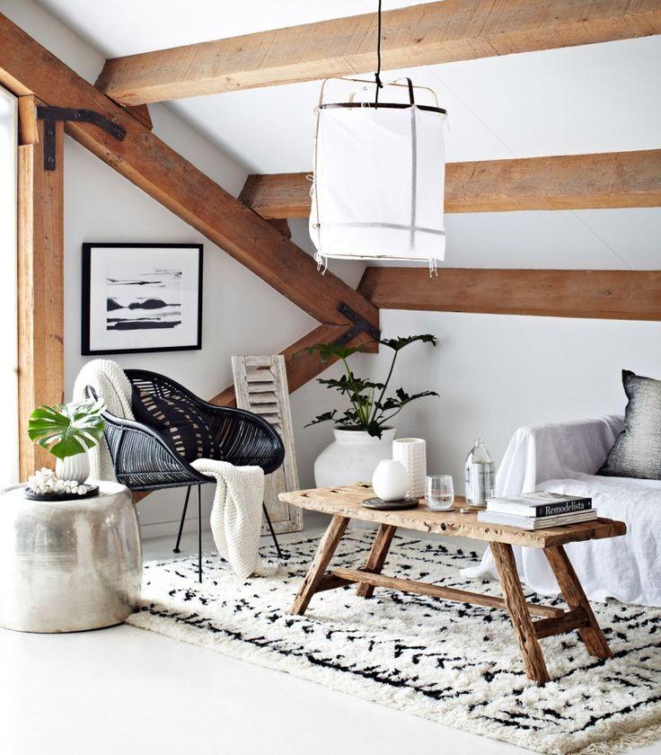 Aujourd'hui on s'inspire non pas d'un mais plusieurs intérieurs dans un style bohème et ethnique chic monochrome de la marque Indie Home Collective