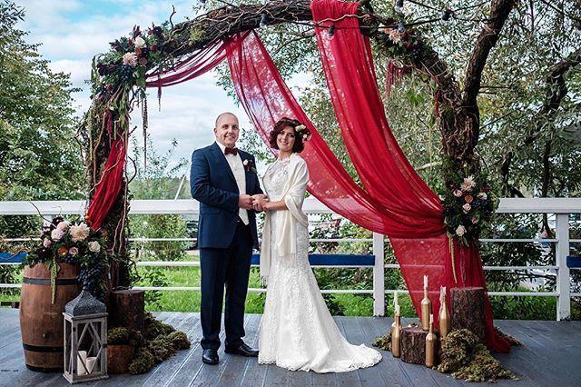 Мы становится взрослыми и постепенно забываем о том, что чудеса ✨случаются с только теми, кто в них по-настоящему верит ☝️ Фото @vsalikov  decor @decorsando.ru Фото @bestweddingspb #wedding#weddingplanner#weddingagency#свадьба#невеста#свадебноеагентство#свадебныйраспорядитель#weddingphoto#weddingday#bride#luxery#palace#spb#russia#decor#декор#роскошная#красивая#стильная#скоросвадьба#организациясвадьбы#bride#bridetobe#помолвка #женихиневеста#weddingdinner