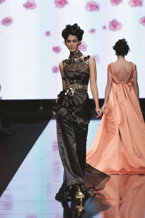 Paula Verhoeven at Yogie Pratama show, Jakarta Fashion Week 2012