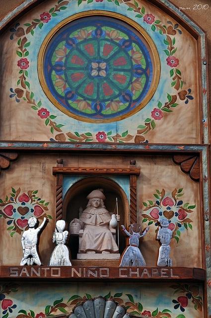Santo nino detail santos santa fe and churches for Mural mexicano