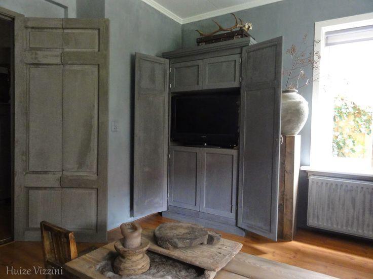 Keuken Pimpen Met Krijtverf : Van een normale kast naar een tv kast. Geschilderd met kalkverf van
