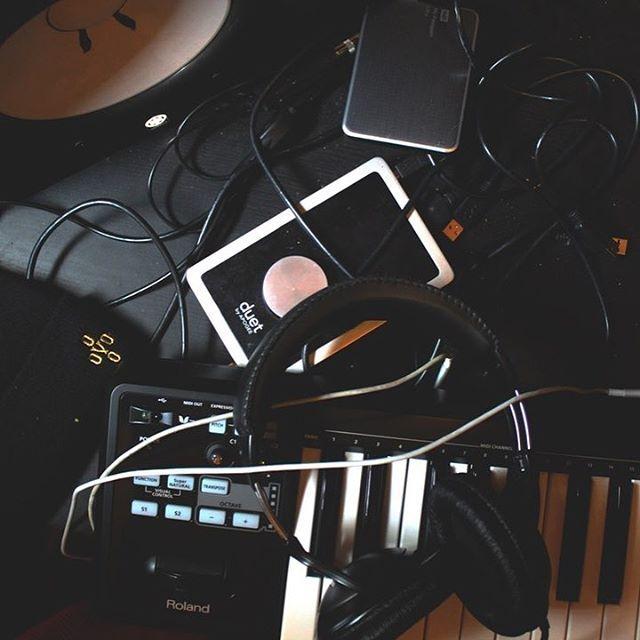 Reposting @thisisohmmusic: 🎹🎧🎶🎵 . #musicians #musicallyapp #musicfestival #musicphotography #musicproduction #party #electronicmusician #electronicmusicparty #vibes #goodmusic #goodvibes #goodvibesonly #pic #photo #picture #producer #dj #dance #deephousemusic #tunes #trance #techno
