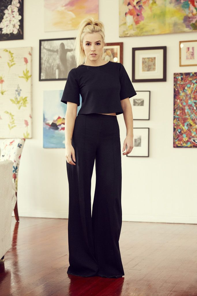 Styling 5 Hot LA Trends With Designer Ripley Rader #ripleyrader #croptop #widelegpant www.ripleyraderstyle.com