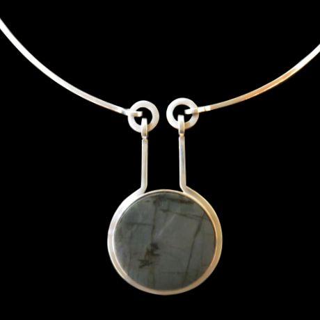 Kaunis Koru Pendant Necklace set with Labradorite