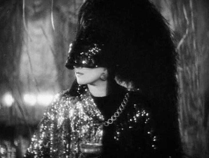Marlene Dietrich in Dishonored (Josef Von Sternberg, 1931)