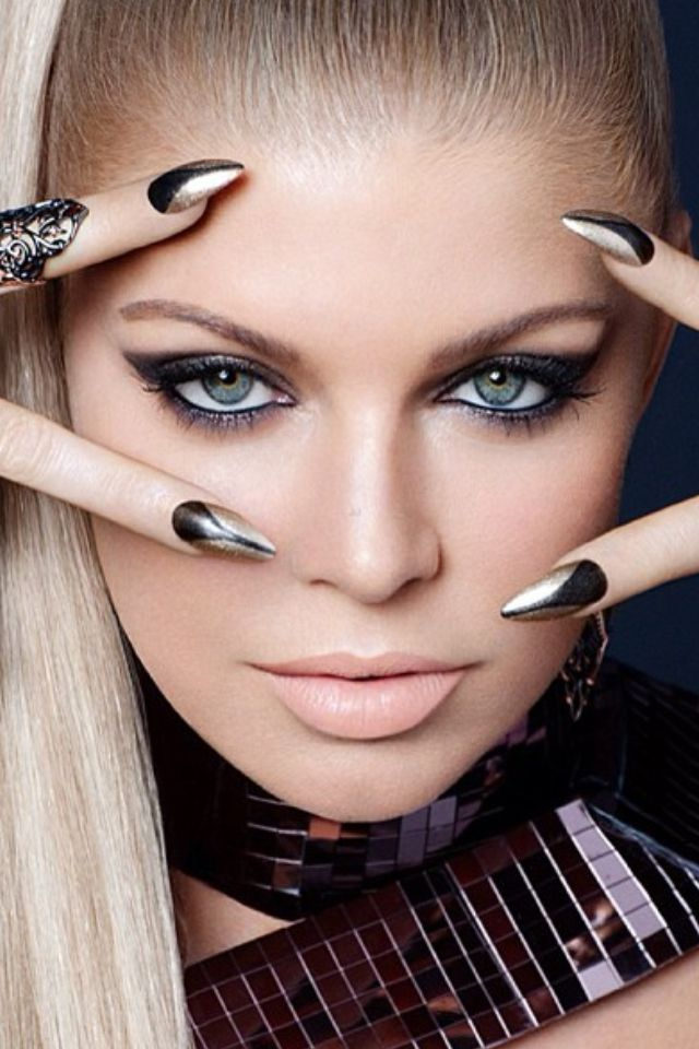 15 Celebrity Makeup Artists You Need to Follow on Instagram