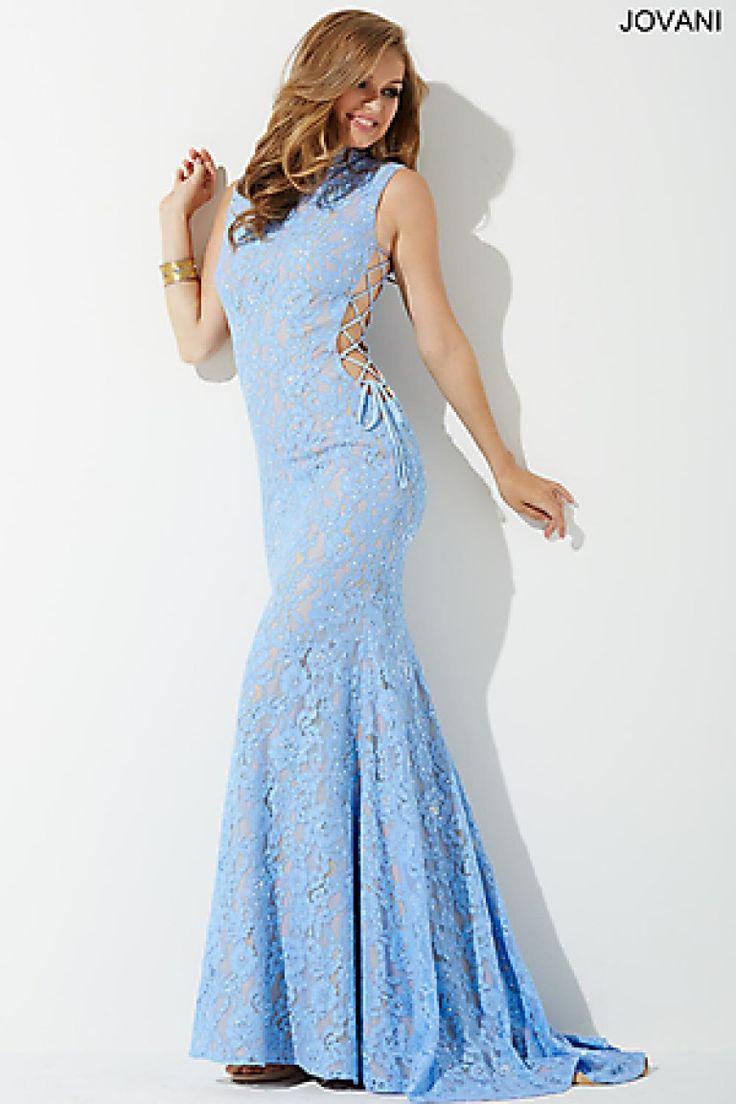 гипюровое-платье-голубое