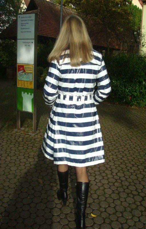 Lackmantel Raincoat Regenmantel Vintage neuwertig Nylon PVC Lack Barbara Farber