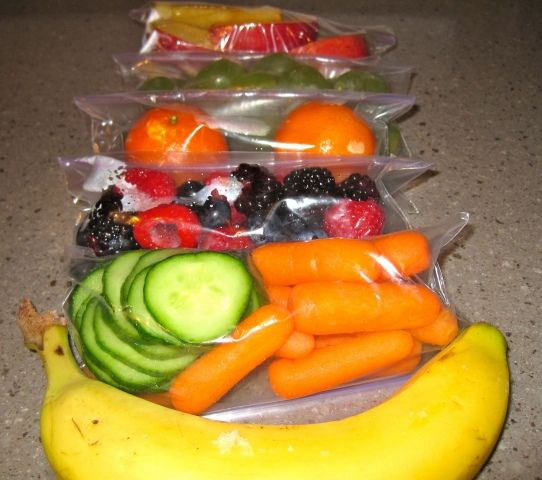 Snack Attacks! Grab and Go with Do-It-Yourself 100 Calorie Snack Packs! Those veggies would be great with plain greek yogurt with ranch seasoning