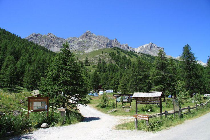 Ideaal voor (berg)wandelaars en natuurliefhebbers! Op de grens tussen de Savoie en de Hautes-Alpes ligt camping de Fontcouverte: een ruime natuurcamping, m