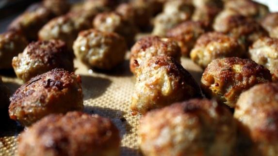 Romanian meatballs (Chiftele)