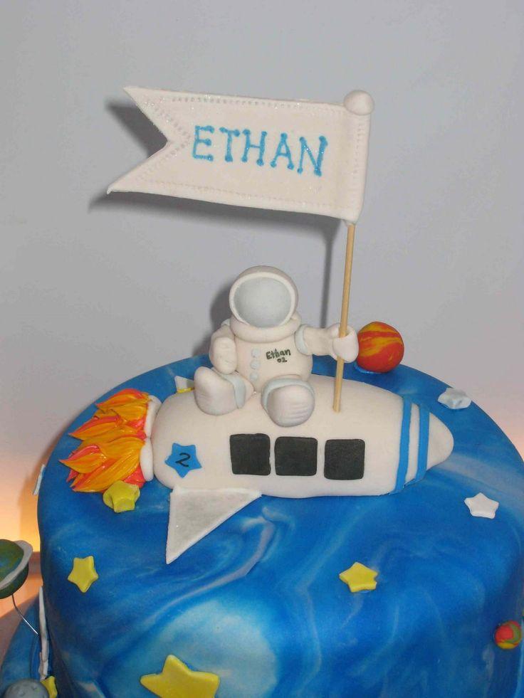 Simply Homemade Cakes: Cake Astronaut Ethan