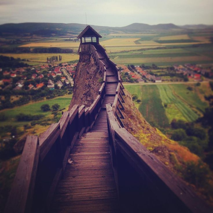 Looks like #anotherworld 🏰⛰ #gameofthrones #lotr #castle #ruins #hills #view #boldogkovara #amazing #adventuretime #trip #trail #adaland
