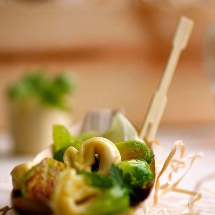 The strong, simple lines and natural wood tone of these bamboo forks will accent your masterful meals and impress your illustrious guests with a refined, clutter-free Asian twist. Bring a taste of eco-friendly elegance to your catering and go beyond the ordinary fork. These forks make a wonderful complement to our other disposable bamboo catering supplies.