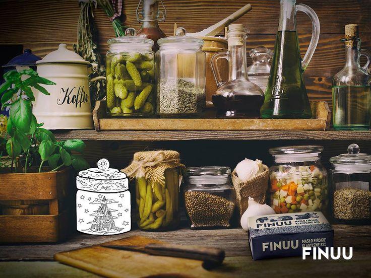 W tradycyjnej fińskiej kuchni nie ma miejsca na niepotrzebne przedmioty. To miejsce szczególne, w którym powstaje magia. Każda fińska gospodyni lubi ład, porządek i praktyczne rozwiązania. W końcu warto poświęcić czas na celebrowanie jedzenia, a nie na nieustanne porządki! :) #finuu #finlandia #kuchnia #inspiracje #rustykalna #kitchen #rustical