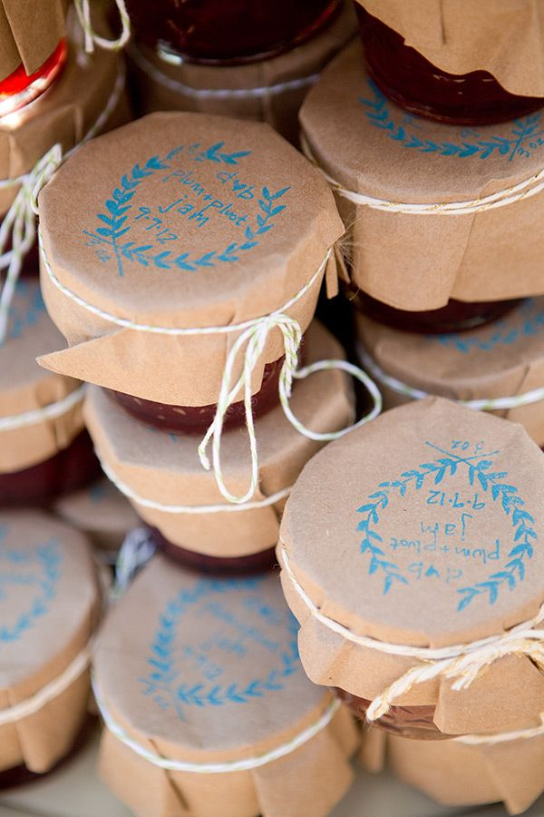 Favors: jam jars. Idea to use paper for the tops as an alternative to fabric. I like this idea of stamping something rather than tying a little tag.
