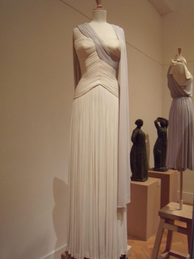 Robe ivoire drapée GRES photo DEFILE DE MARQUES