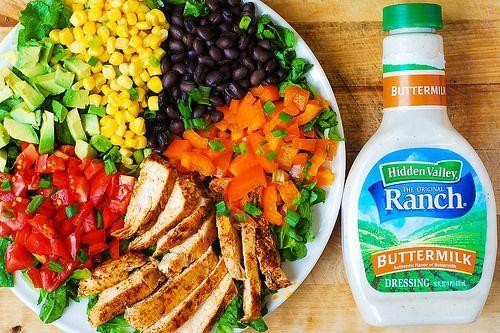 Salade sud-ouest Chopped avec vinaigrette Ranch au babeurre