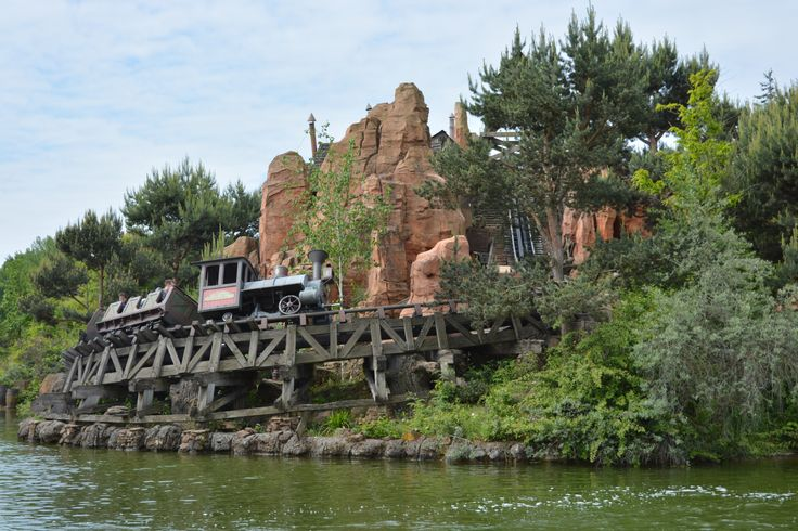 Paris Disneyland Big Thunder Mountain