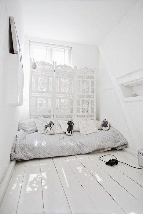 Selbstklebende Tapete Erfahrung : Bedroom White Screen