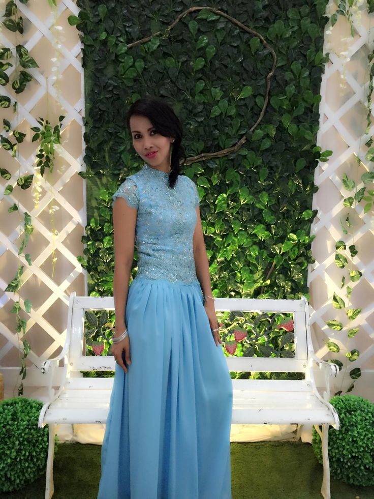 Gaun biru .Pesta perkawinan adikku Dimas 101015..