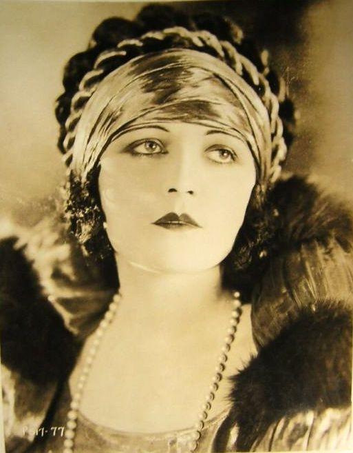 Art Deco Hollywood 1920s Vamp Pola Negri - Henry Clive Art - Antique Beaute Box…