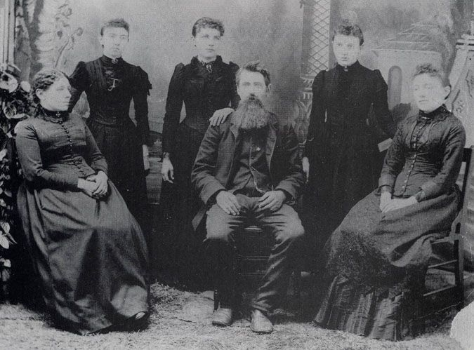 The REAL Ingalls family... Caroline, Carrie, Laura, Charles, Grace & Mary