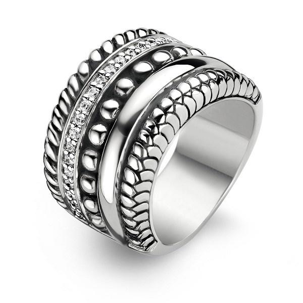 Ti Sento  Milano. I Love this ring!