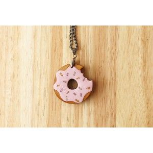 Donut Necklace (Strawberry)