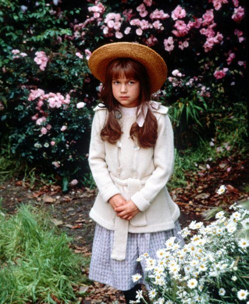 Mary Lennox, 'The Secret Garden' (1993) This is one of my favorite movies of all time- and I'm totally stealing her look!
