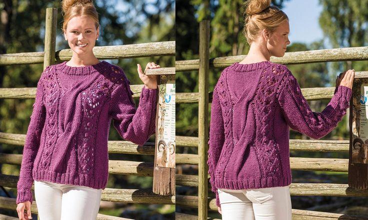 En stickad tröja värmer lika bra under kyliga vårdagar som ljumma sommarkvällar. Här är en mysig variant med ett vackert flätmönster.