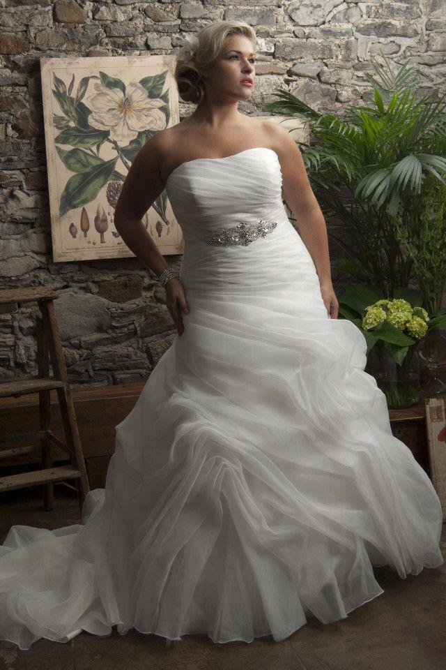 deze mooie bruidsjurken voor de volslanke vrouw zijn