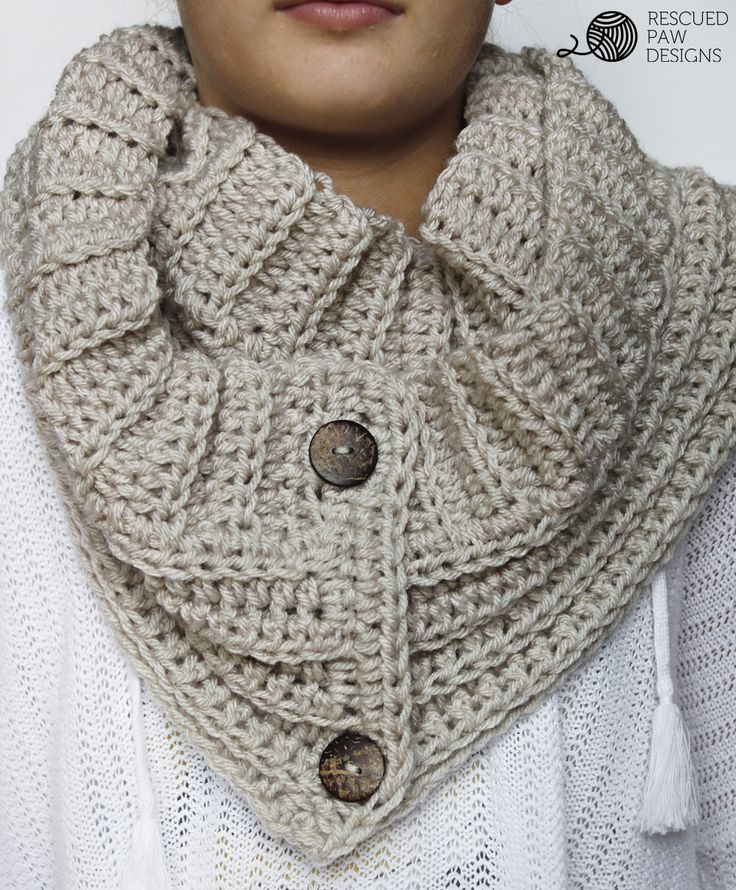 The Andy Button Scarf || FREE CROCHET PATTERN || by Rescued Paw Designs. Click to Read or Pin and Save for Later! www.rescuedpawdesigns.com