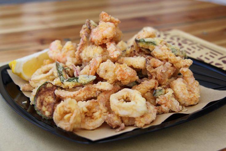 La frittura di pesce è uno dei piatti di mare più amati, ecco i 5 consigli dell'esperto per servirla croccante e perfettamente digeribile.