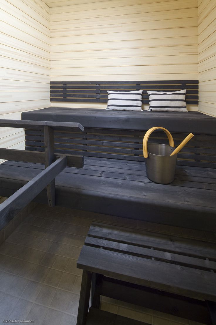 white/grey sauna