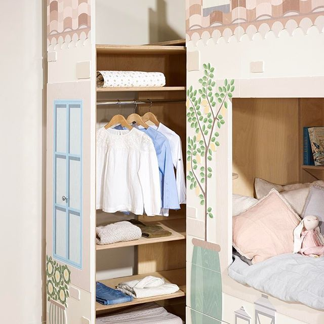 Our pull-out wardrobe doing it's thing in style 🍋✨ Country House by Young Empire - Smart Luxury Children's Furniture