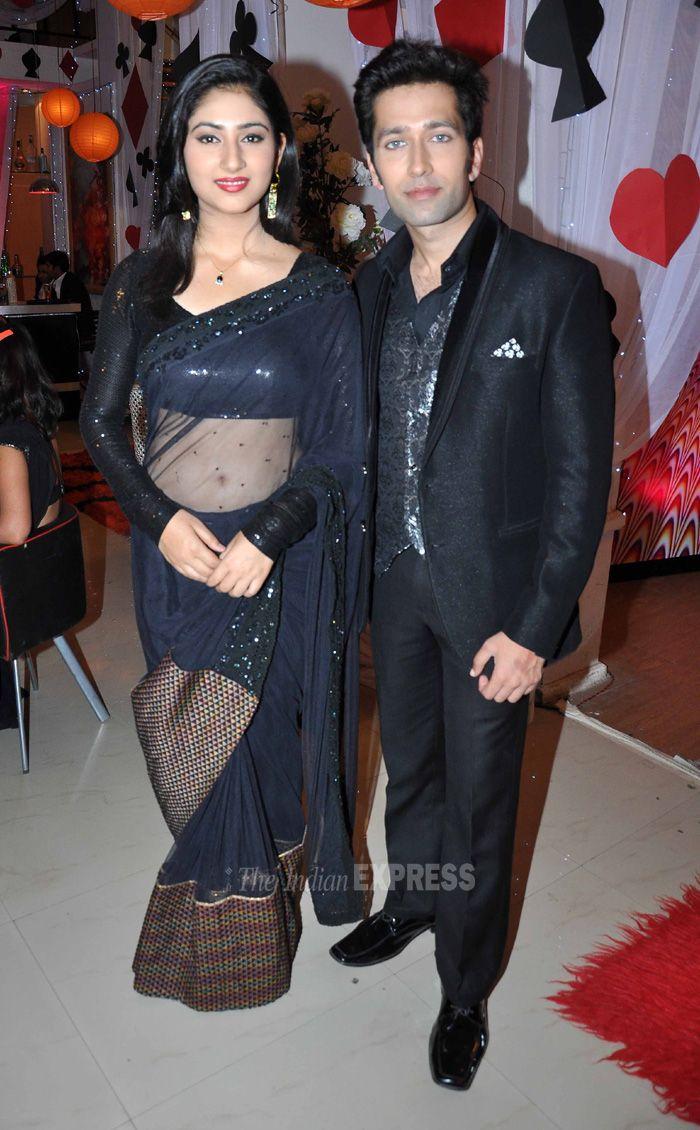 'Pyaar Ka Dard Hai' couple Nakuul Mehta and Disha Parmar pose for the photogs. #Style #Bollywood #Fashion #Beauty