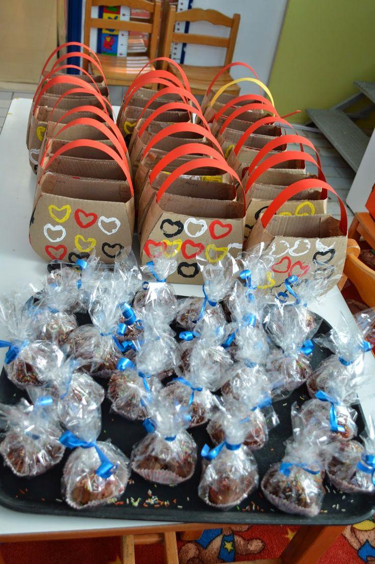 Φρου Φρουκατασκευές στον Παιδικό Σταθμό!: η γιορτή της μητέρας