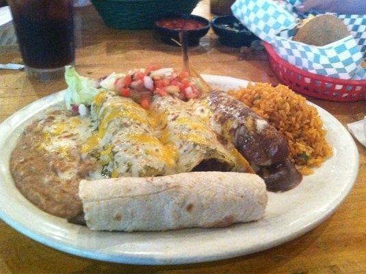 Cancun Grill Best Mexican Food In The Area 5 De Mayo Party And So Foodthe Areacancungrillingmexicansmiamilakesrestaurantsdiners