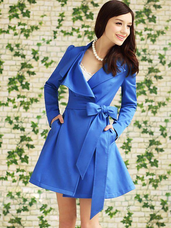 Manteau bleu avec ceinture