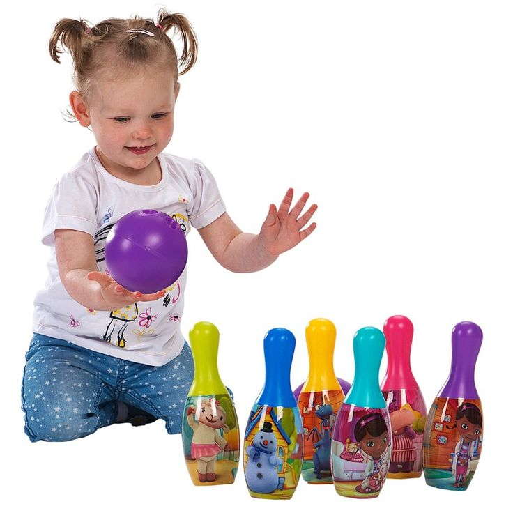 Set of 6 brightly decorated Doc Mc' Stuffins Bowling Pins. 1 colourful balls supplied.   Lizzie