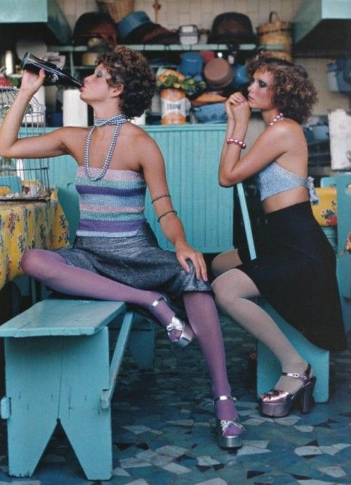 1970s…oh yes, love these #retro outfits.