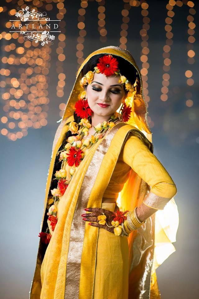 BangladeshiBride Desi BrideFlower OrnamentsMuslim BridesFlower JewelryWedding
