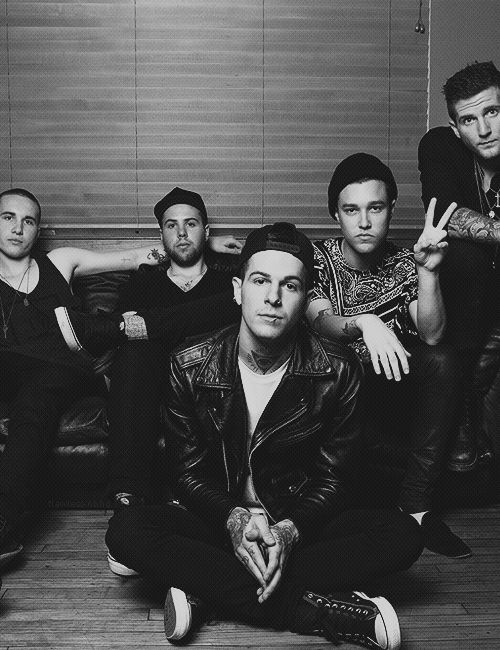 The Neighbourhood... I'm in love with their sound