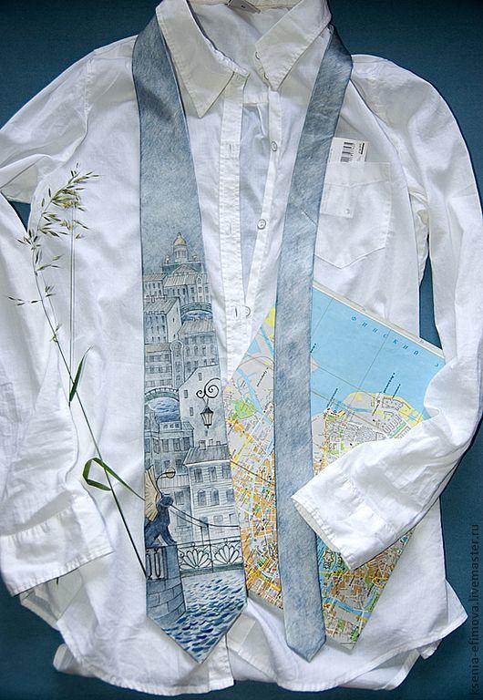 """Купить Шелковый галстук """"Питер. Банковский мост"""" - серый, рисунок, галстук с росписью, галстук батик"""