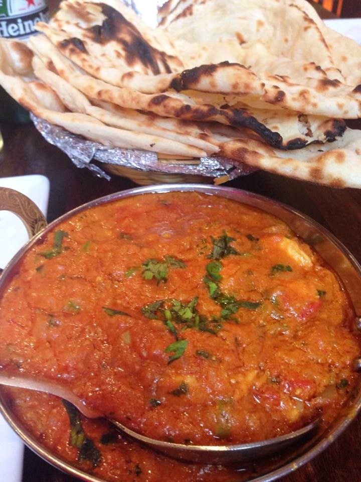 #Curry and Indian pies is a great choice for lunch and dinner. :) in the picture of chicken lababdar: pieces of chicken in tomato sauce with nuts (Cashews). Price: 26 zł ..! Photo published by Santa s. On Yelp.com :) Namaste India * http://www.namasteindia.pl/