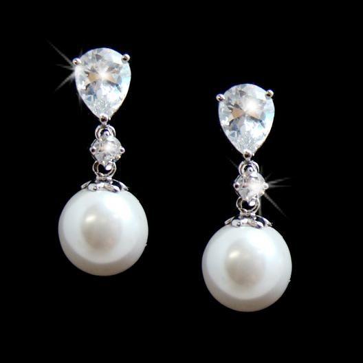 Pearls: Beautiful Earrings, Wedding Pearls, Style, Pearl Earrings, Wedding Ideas, Pearls Earrings, Jewelry, Bridal Earrings, Pearl Drop Earrings