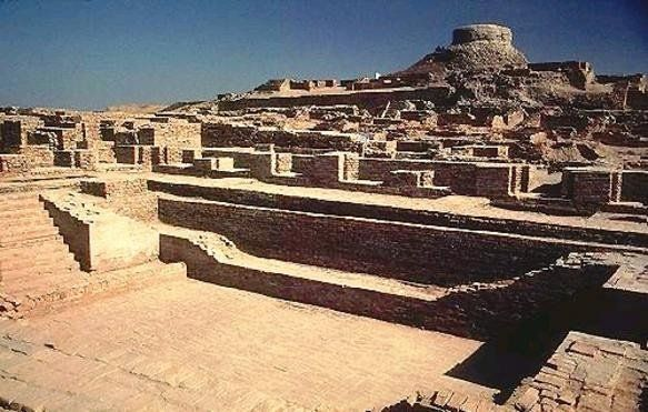 Mohenjo-daro - Civilização do Vale do Indo! Junto com as civilizações Egípcia e Mesopotâmica, a Civilizaçãodo Vale do Indo é considerada uma das mais antigas do mundo. A civilização do Vale do Indo atingiu o seu pico cerca de 2000 A.C., embora seja consideravelmente mais velha.