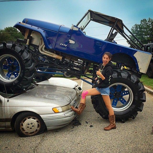 custom jeeps with sexy girls